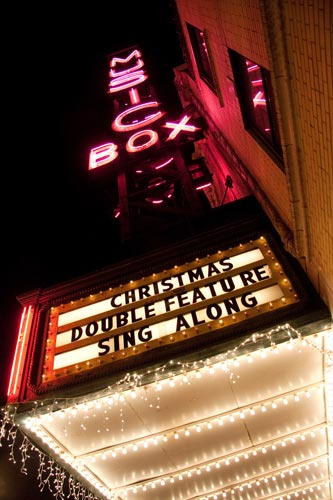sing-along-at-music-box-theatre