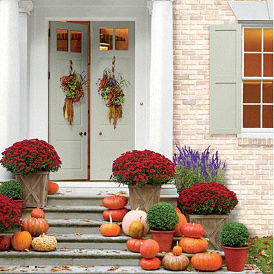 pumpkin-display-exterior-steps-l