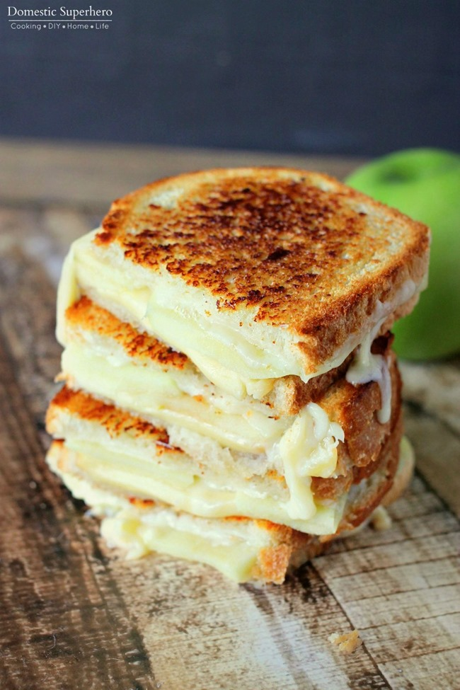 Apple-Gouda-Grilled-Cheese-3_thumb